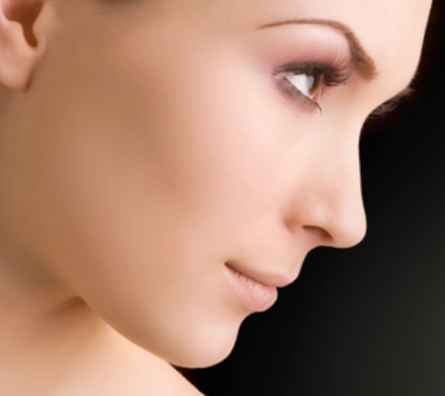 """I want to change the appearance of my nose. Should I choose a liquid rhinoplasty or a surgical rhinoplasty?"""